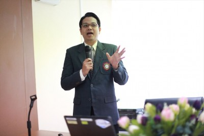 Lecture by Dr. Sorasun Rungsiyanont