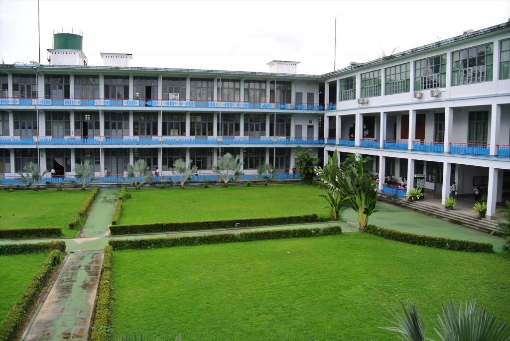 ヤンゴン工科大学キャンパス