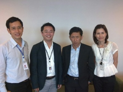 Dr. Preesan Rakwatin研究員 センター長 Dr. Somchet議長 議長秘書