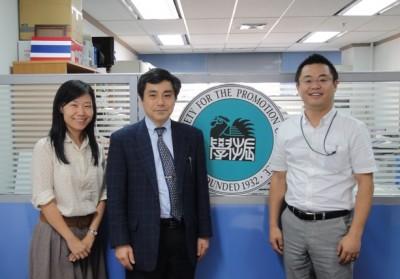 Dr. Chutima、田村教授、センター長
