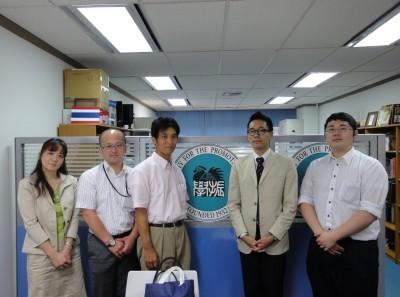左から、佐藤主任、内田助教、川崎課長代理、高橋係員