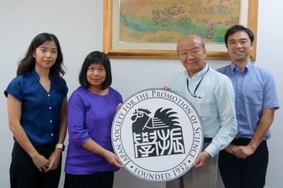 左からChenchittikulバンコク事務所特任助教、Sunateバンコク事務所副所長、山下センター長、山田副センター長
