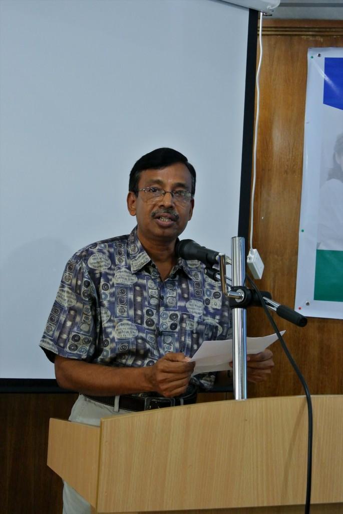 Dr. A K M Nowsad Alam同窓会副会長による開会の挨拶
