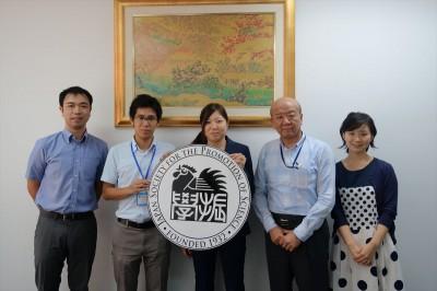左から副センター長、川口、城副拠点長、センター長、轟国際協力員