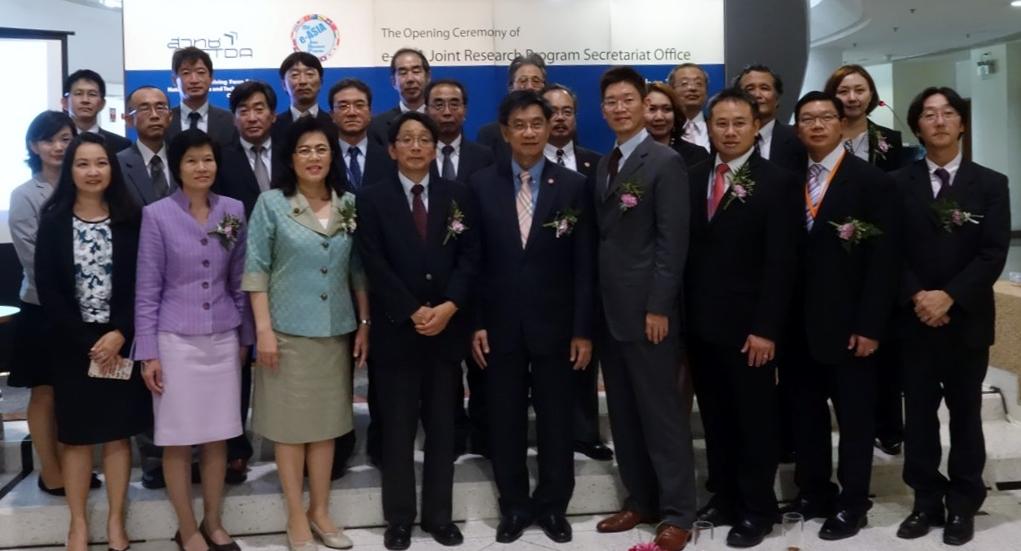 e-ASIA JRP事務局開所式参加者