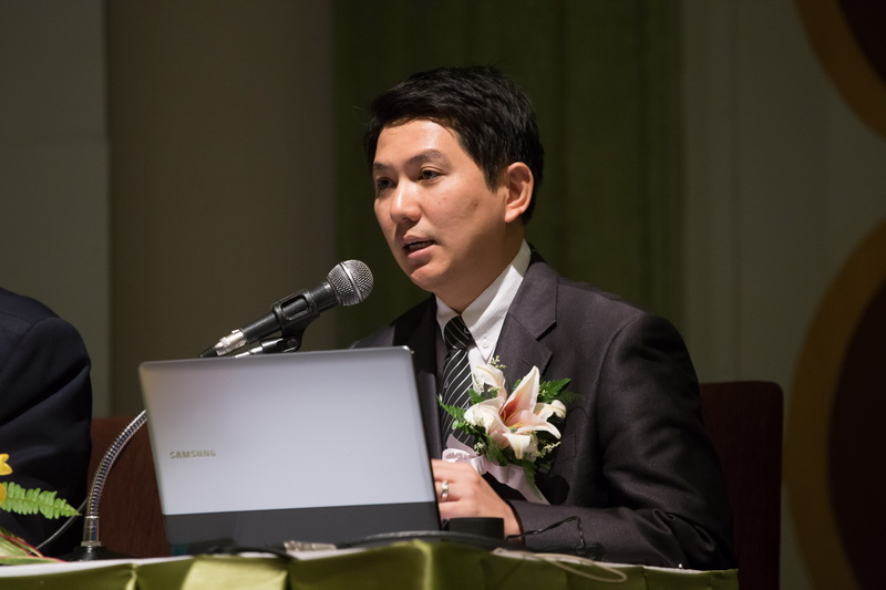 Dr. Suraphongによる発表