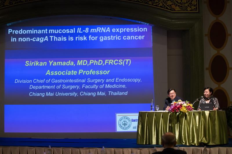 Dr. Sirikan准教授による発表