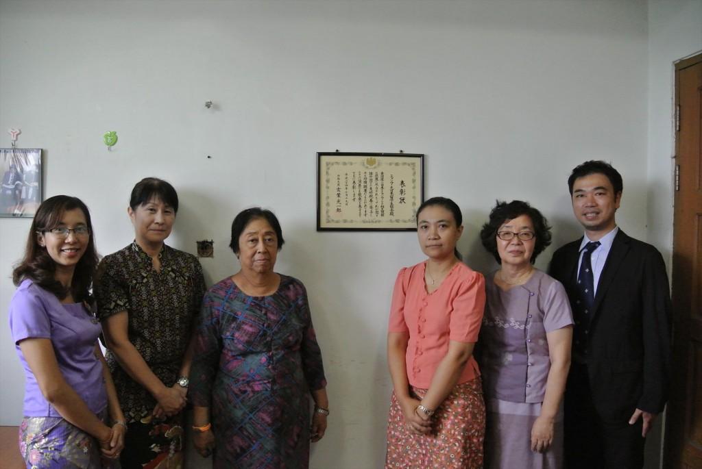 左から髙樋准教授、Si Si Shein MAJA会長、Mo Mo San MAJA事務局長、原田コーディネーター、副センター長
