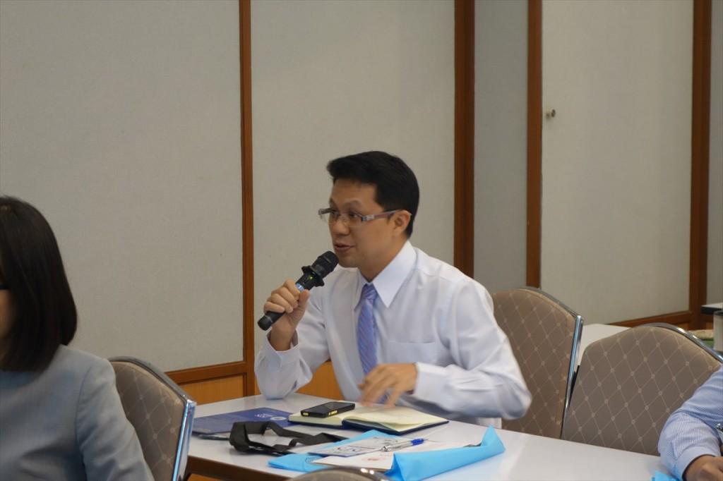 JSPS事業について熱心に質問する参加者