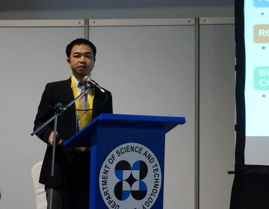 山田副センター長による国際交流事業の説明