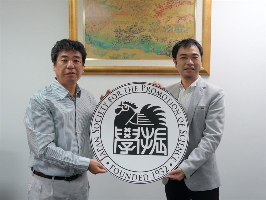 左から加藤教授、山田副センター長