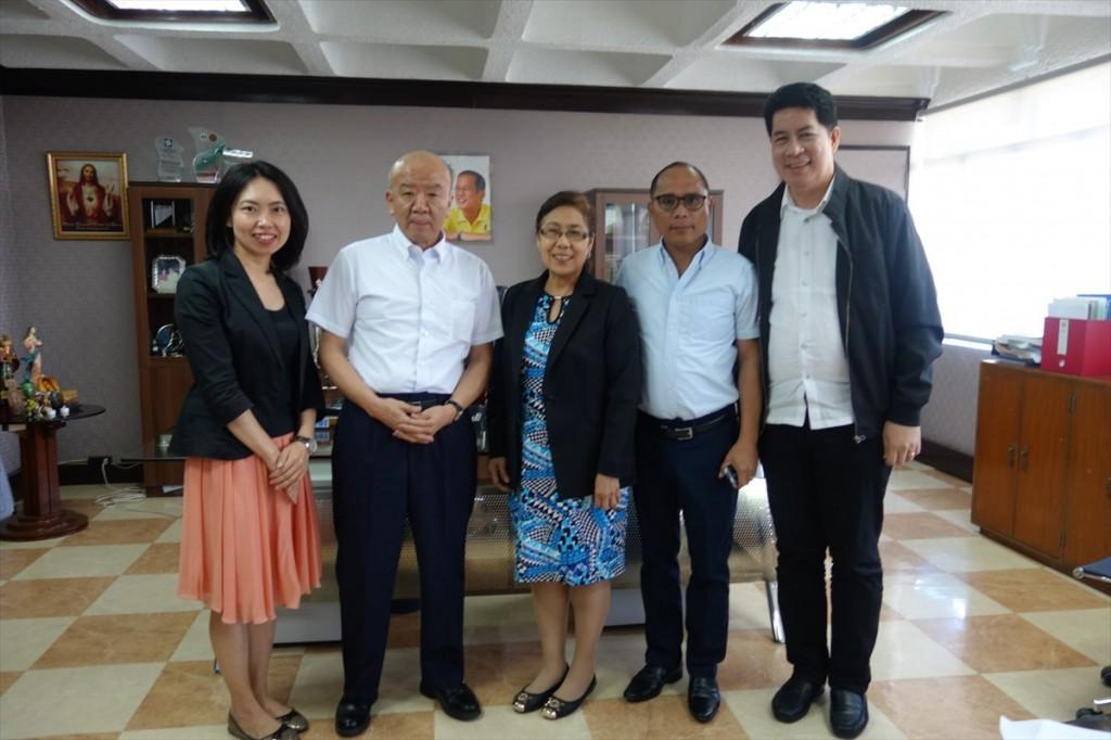 古屋副センター長、山下センター長、Dr. Amelia Guevarra、Dr. Renato G. Reyes JAAP事務局長、Dr. Jaime Montoya JAAP会長