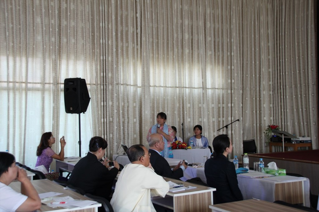 Dr. Kay Thwe Hlaingの講演