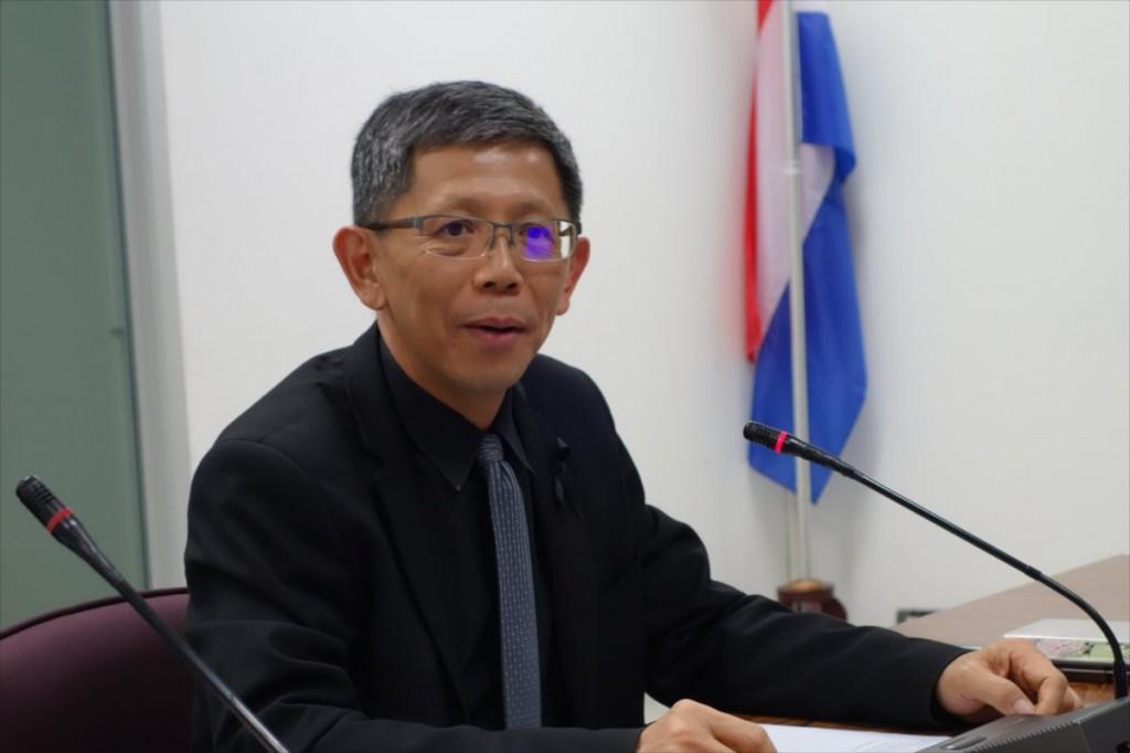 Assoc. Prof. Perapong 副学長