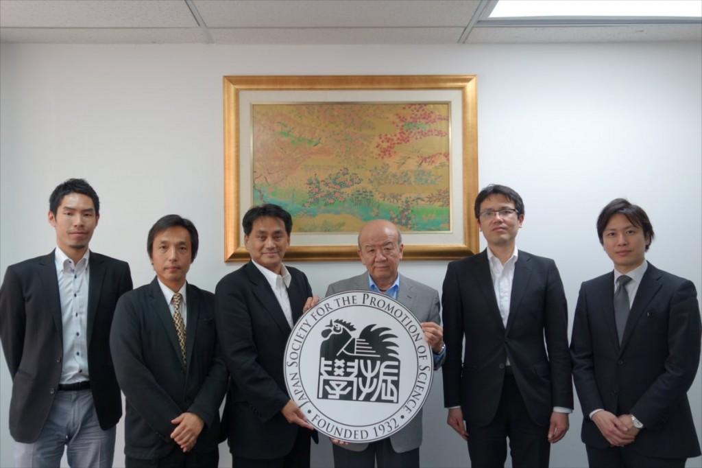大田国際協力員、石田教授、奥副学長、山下センター長、西澤教授、松元准教授
