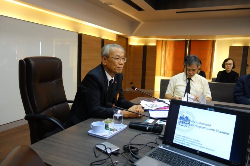 挨拶を述べるProf. Dr. Pramuan 副学長
