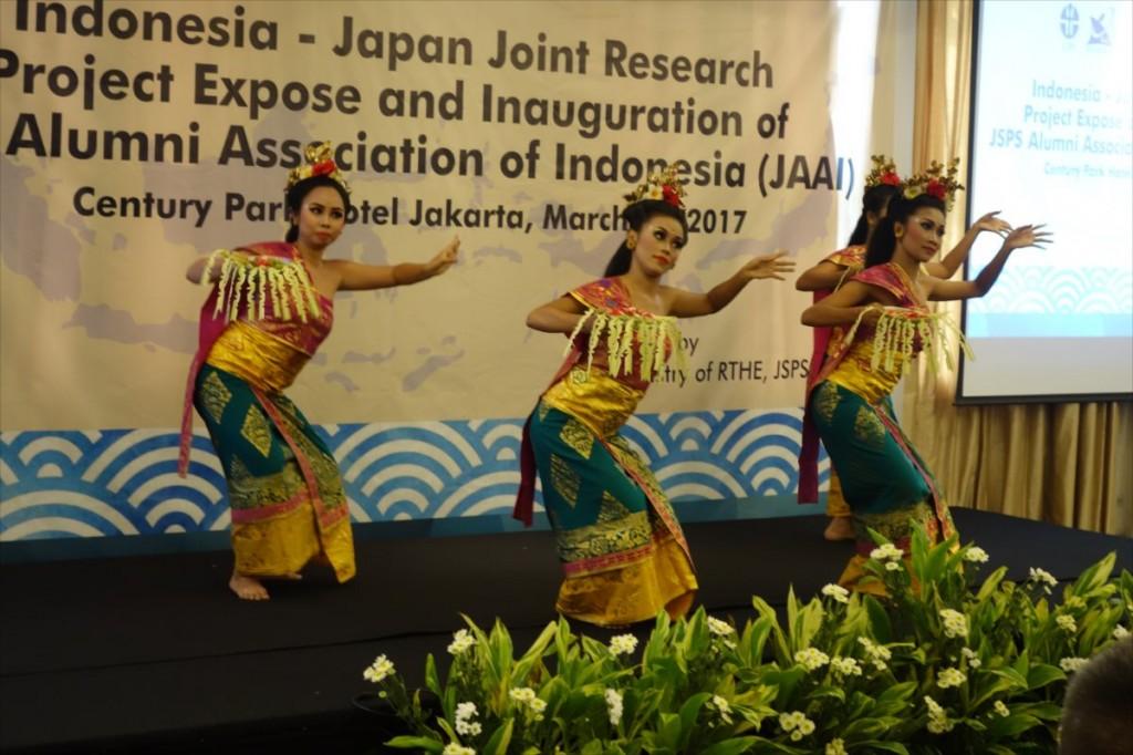 インドネシアの伝統舞踊の様子