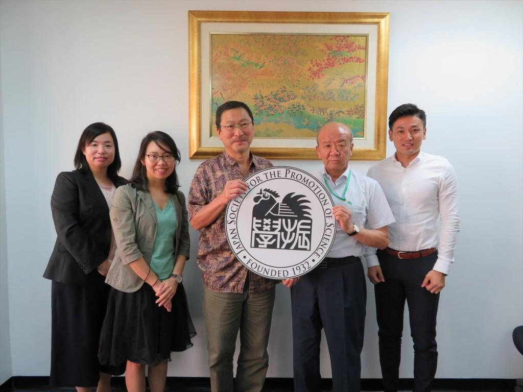 土肥国際協力員、古屋副センター長、後藤名誉教授、山下センター長、斉藤国際協力員