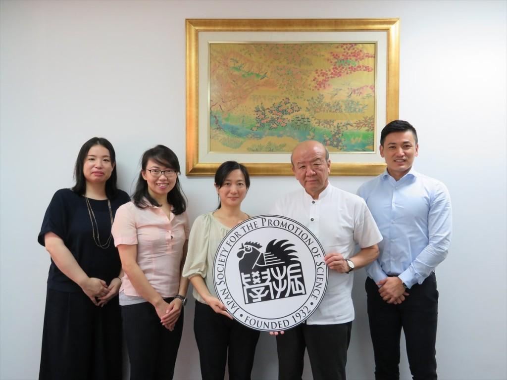 土肥国際協力員、古屋副センター長、三宅講師、山下センター長、斉藤国際協力員