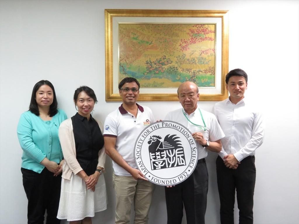 土肥国際協力員、古屋副センター長、アシル准教授、山下センター長、斉藤国際協力員