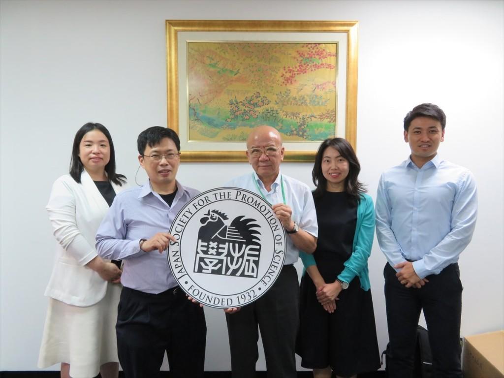 土肥国際協力員、高橋講師、山下センター長、古屋副センター長、斉藤国際協力員