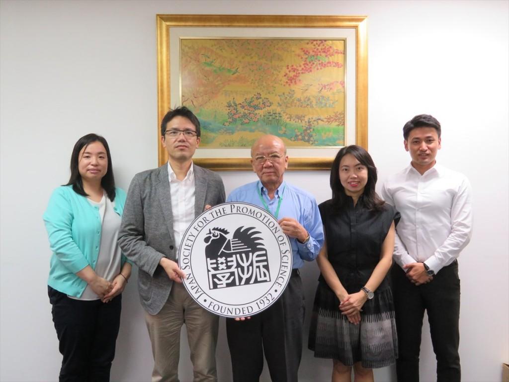 土肥国際協力員、西澤教授、山下センター長、古屋副センター長、斉藤国際協力員