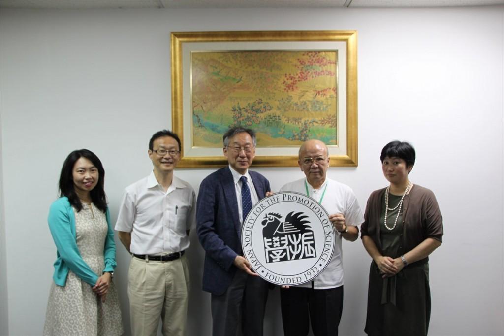 古屋副センター長、芦沢教授、吉本主幹教授、山下センター長、稲永講師
