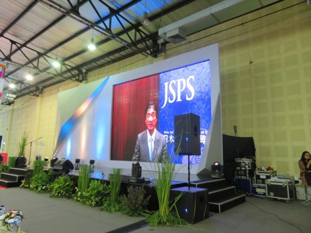 JSPS安西理事長メッセージ