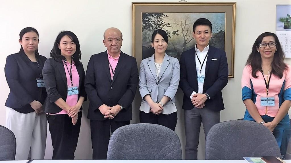 左から、土肥国際協力員、古屋副センター長、山下センター長、藤原二等書記官、斉藤国際協力員、Moe Moe Thanコーディネータ
