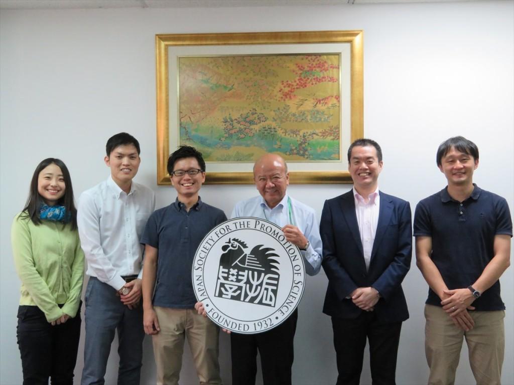 (左から)簑輪国際協力員、新原国際協力員、上利さん、山下センター長、冨山副センター長、園部副所長(京都大学ASEAN拠点)