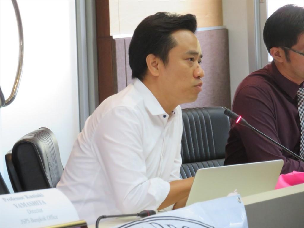 Dr. Phonpat Hemwan (論博事業により駒沢大学で博士号を取得)