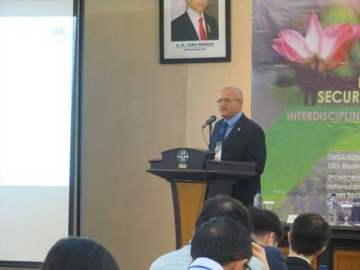 JSPSAAE会長Dr. Ibrahim