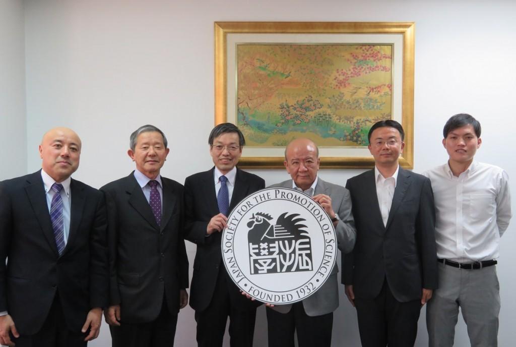 (左から)小林室長、舟木参与、岩井理事、山下センター長、福井銀行バンコク駐在事務所永田副所長、新原国際協力員