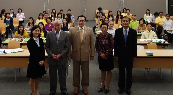 From left, Ms. Todoroki, Prof. Yamashita, Mr. Yongvut, Dr. Aparat, Dr. Miyazaki