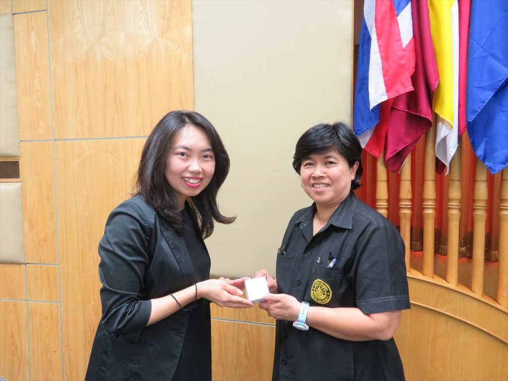 Ms. Noriko Furuya (left) and Dr. Srirat Lormphongs (right)