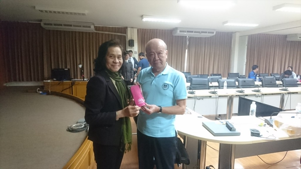 Assoc. Prof. Dr. Sukanya Aimimtham (left)