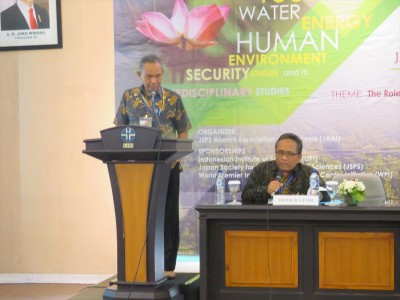Dr. Heny Suseno